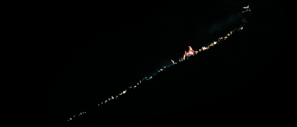 The.Descent.2005.1080p.BluRay.DTS_.x264.D-Z0N3.mkv_snapshot_01.31.01_2012.03.17_16.02.46.png